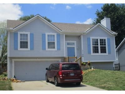 3 Bed 2.0 Bath Preforeclosure Property in Kansas City, MO 64157 - N Lewis Ave