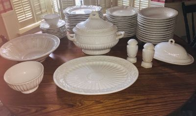 Lenox Butlers Pantry pattern Dining Set