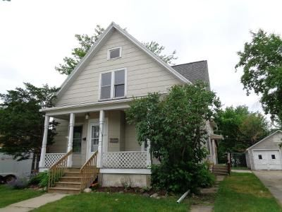 4 Bed 2 Bath Foreclosure Property in Fond Du Lac, WI 54935 - Walker St