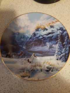 Collectable horse plate set+2