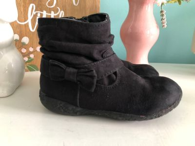Children s Place Black ankle boots size 8 toddler