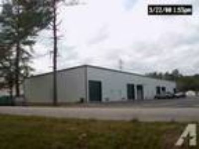 1800ft - WAREHOUSE/OFFICE/BATH 12' OH DOOR (3313 PERKINS ROAD)