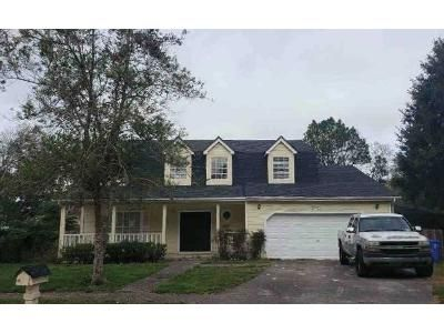 4 Bed 2.5 Bath Foreclosure Property in Lutz, FL 33549 - Silver Forrest Ln