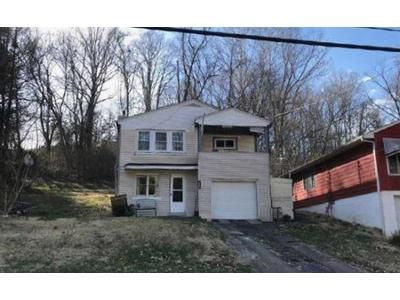 3 Bed 1 Bath Foreclosure Property in Huntington, WV 25705 - Arlington Blvd