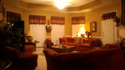 Entire room for sale  sectional,2 tables,rug, 2 lamps      Best Offer!