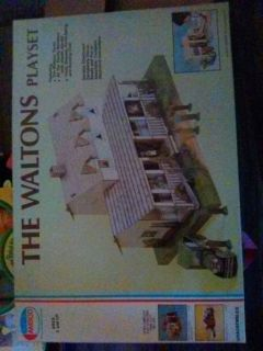 WALTONS PLAY SET,1974 COLLECTABLE