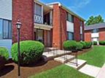 King's Court Manor Apartments - One BR, One BA 849 sq. ft.