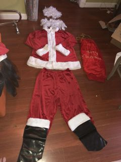 Men s great quality Santa Suit with wig / beard/glasses/ gift sac/ top / bottoms/ boot covers rental quality not Walmart Pick up Derry