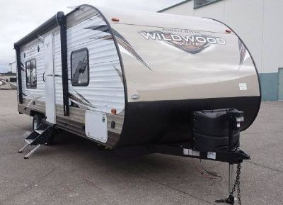 By Owner! 2018 27 ft. Forest River Wildwood X-Lite 241QBXL