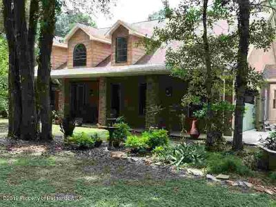 1148 Arlanie Road BROOKSVILLE, beautiful Five BR(1 down