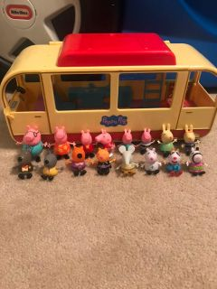 Peppa Pig Camper Van plus 12 additional friends