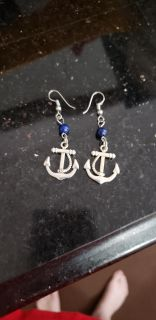 Cute Anchor Earrings. Excellent Condition