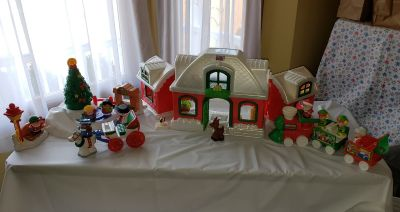 Fisher Price Little People Santa's North Pole