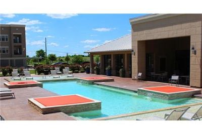1 bedroom - Centre offers upscale apartments in Waxahachie, Texas.