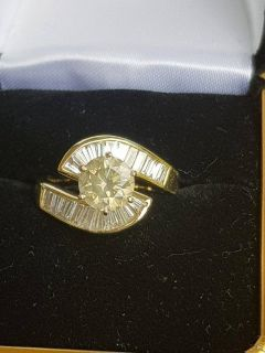 18k Solid Yellow Gold Ring--Center Diamond 1.40ct Accented By 20 Baguette Cut Diamonds Approxi...