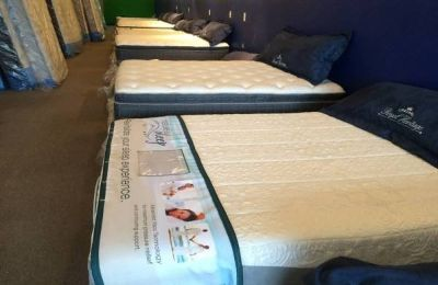QUEEN Tempur Pedic style Gel Infused Memory Foam Mattress Set only