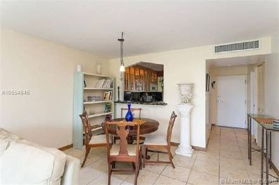 Miami Beach: 1/1.5 Private apartment (Alton Rd., 33139)