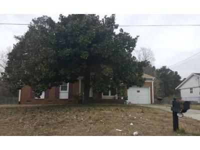3 Bed 2 Bath Foreclosure Property in Spring Lake, NC 28390 - Brinkley Dr