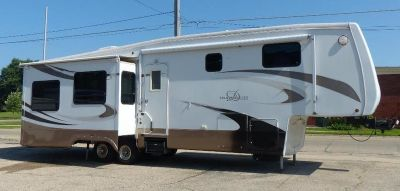 2008 DRV Select Suites 36TK3