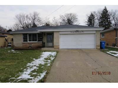 3 Bed 2 Bath Foreclosure Property in Des Plaines, IL 60016 - Seminary Ave