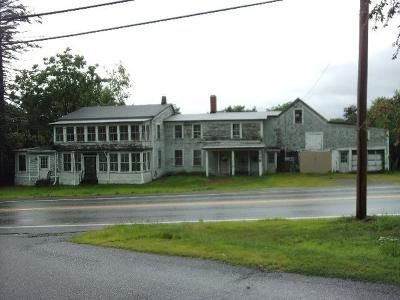5 Bed 3 Bath Foreclosure Property in Claremont, NH 03743 - Chestnut St