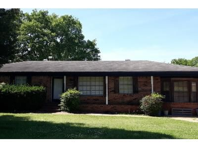 3 Bed 2 Bath Preforeclosure Property in Bessemer, AL 35020 - Eastern Valley Rd