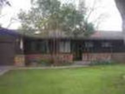 3bed1 Five BA In Modesto Pool W Service Garage