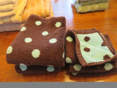 Brown & Turquoise Towels