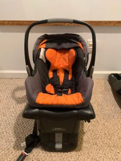 Britax B safe infant car seat with 2 bases
