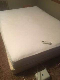 Queen Size Select Comfort, Mattress and Plat Form