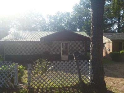 Foreclosure: Single Family Home $10,900 Handyman Special at Special Price!