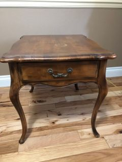 Ethan Allen End table
