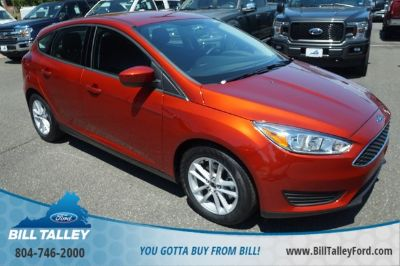 2018 Ford Focus SE (Hot Pepper Red Metallic Tinted Clearcoat)