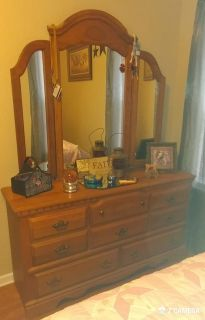 Solid Oak Queen Bed set (matress not included) $700 OBO