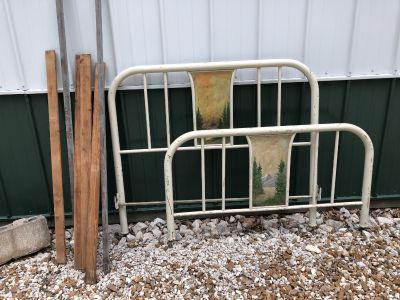 Full sized metal bed