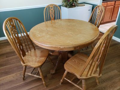 Oak Dinning Table & 4 Chairs