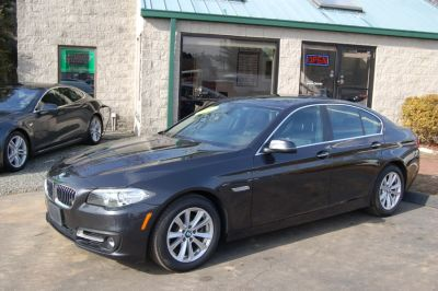 2015 BMW 5-Series 4dr Sdn 528i xDrive AWD (Dark Graphite Metallic)