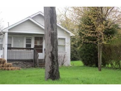 2 Bed 1 Bath Foreclosure Property in Antioch, IL 60002 - N Lake Ave