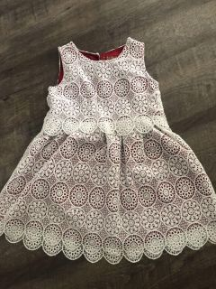 Holiday dress size 5t