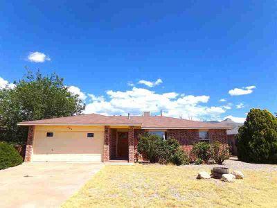 608 Mars AV ALAMOGORDO Three BR, A little TLC will have you