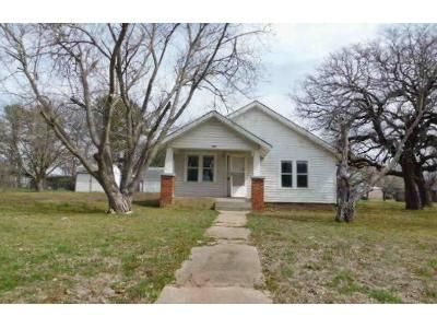 2 Bed 1 Bath Foreclosure Property in Bridgeport, TX 76426 - 15th St