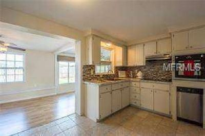 4935 Colonnade Avenue Holiday, RARE FIND FOR THE PRICE!