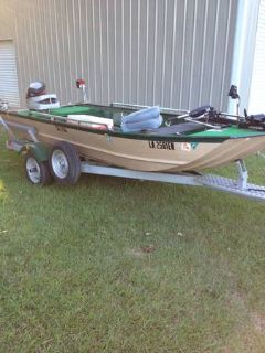 15 fishing boat w25 hp Evinrude