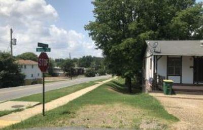 $495, 4503 Vestal St., North Little Rock AR 72118 - Affordable and remodeled 2br 1.5ba duplex unit off Camp Robinson Rd.