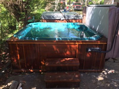 Streamline hot tub! Delivery Included!