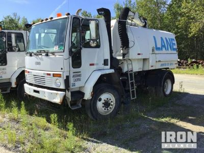 Johnston 605 Series Sweeper on 2001 Sterling SC7000 Truck