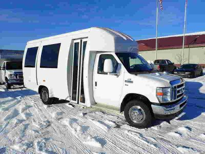 2014 Ford E-350 Super Duty Bus