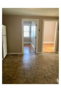 Adorable 2 bedroom, heat & hot water included. Washer/Dryer Hookups!