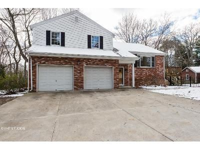 3 Bed 3 Bath Foreclosure Property in Lincoln, RI 02865 - Lladnar Dr