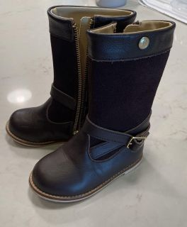 Janie and jack boots, toddler size 7.